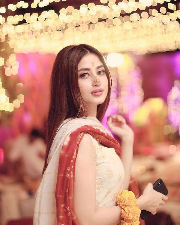 Sajal Ali HD picture