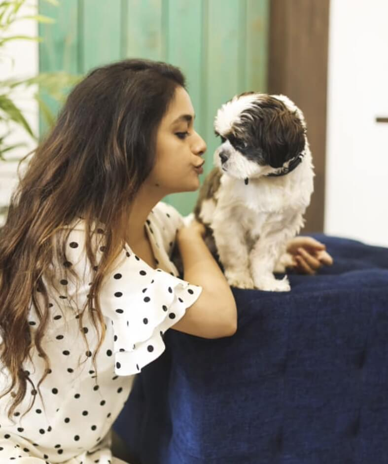 Keerthy Suresh Dog picture