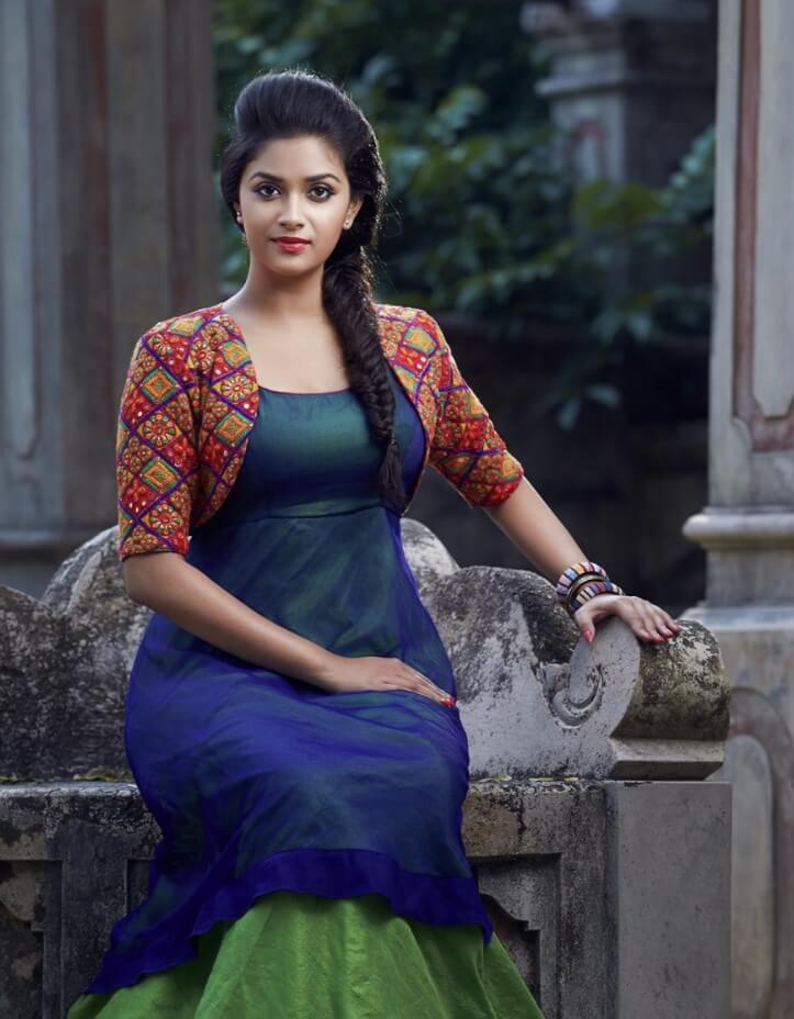 Keerthy Suresh fashion picture